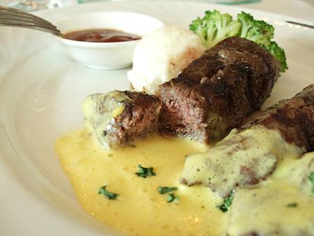 新竹「吉安諾」餐廳-雙醬牛排