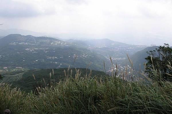 登上主峰前看台北地區