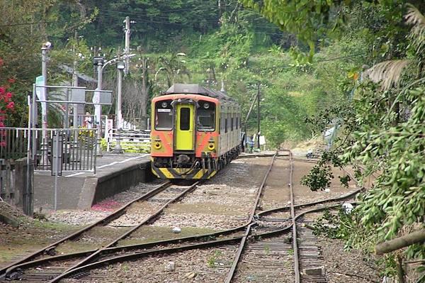 列車停靠 內灣車站