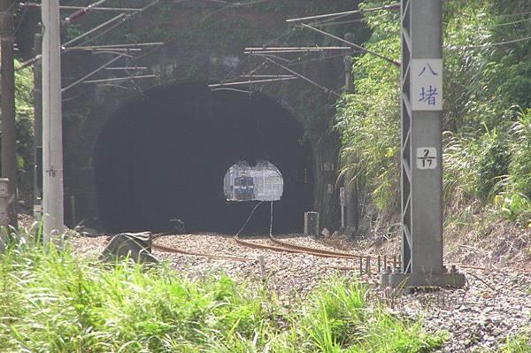 竹子嶺(竹仔寮)隧道 基隆端 (右)
