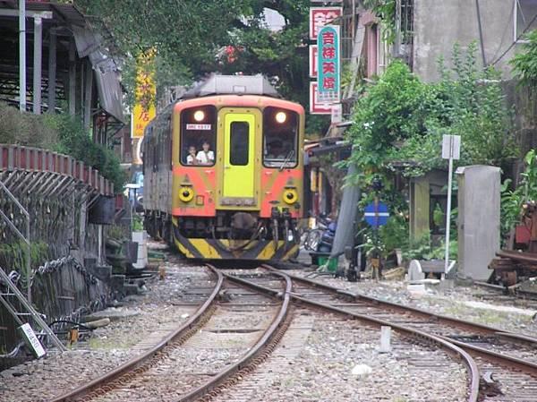 列車靠近十分車站