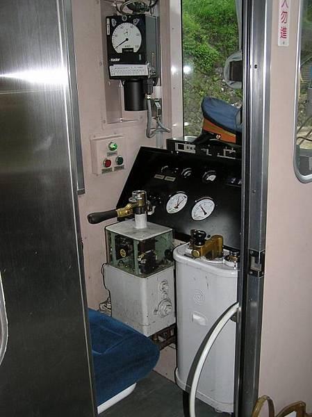 DR1000駕駛室