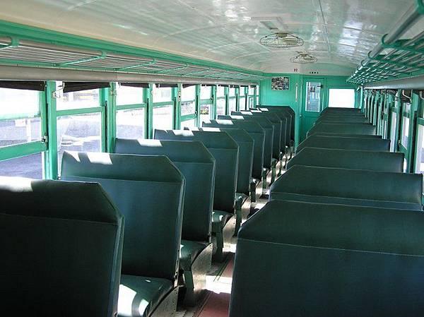 舊東線 LDR2207 內部