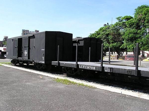 舊東線鋼造篷車、平車