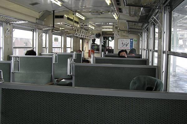 JR男鹿線的柴油客車