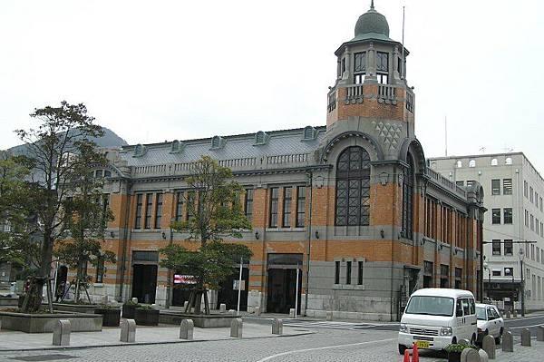 港口旁邊的老建築