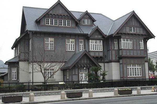 門司港車站對面的老建築