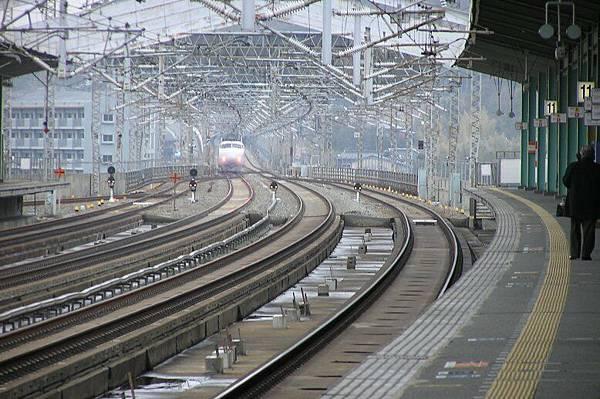 新幹線列車離站