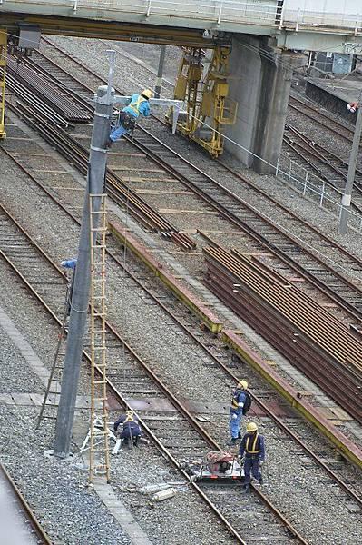 架電車線的工作人員
