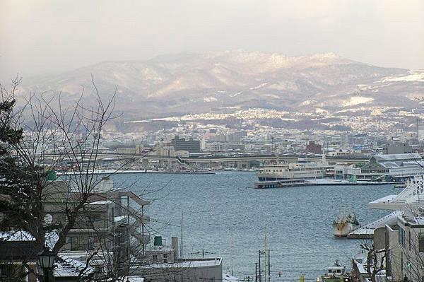 從元町的山坡看函館市區