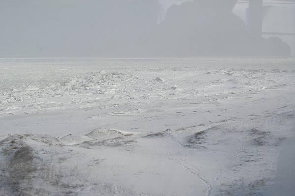 鄂霍次克海上的流冰