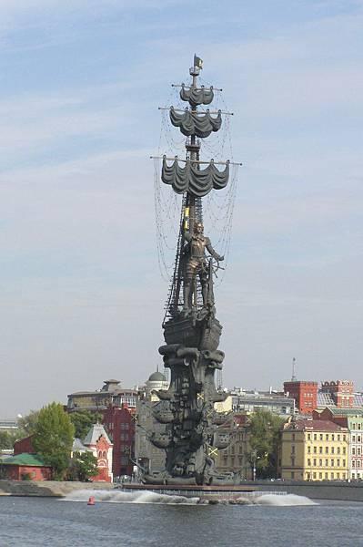 莫斯科河畔 彼得大帝像