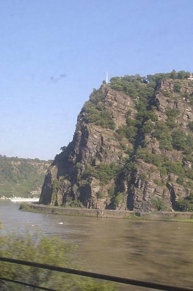 魔女之岩「羅蕾萊」