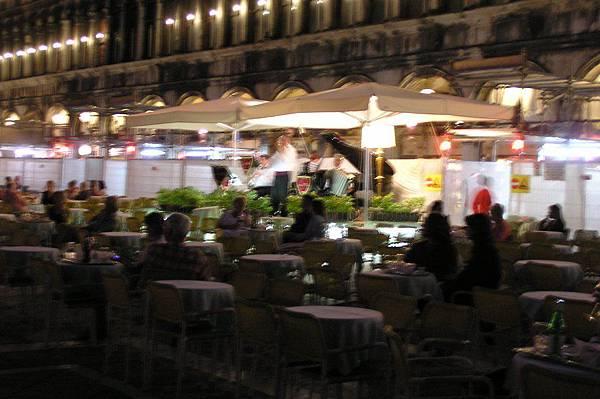 聖馬可廣場 餐廳的音樂演奏