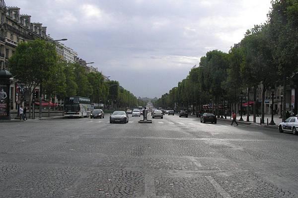 香舍麗榭大道看協和廣場方向