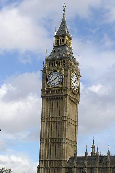 大班鐘 (Big Ben)