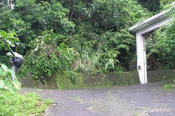 猴山岳登山步道入口