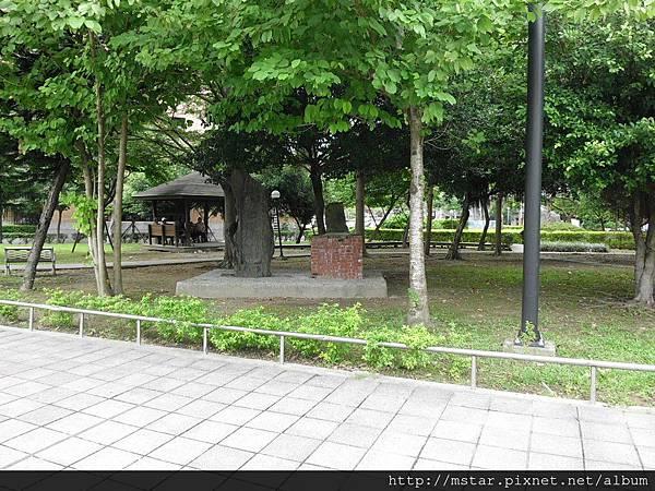 文山區公所旁的公園