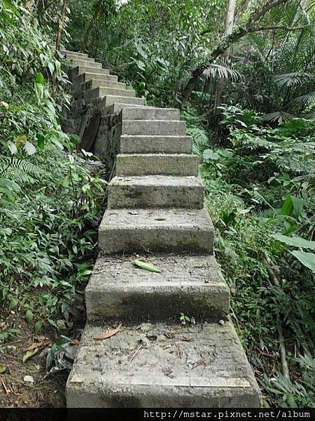 增強為水泥階梯
