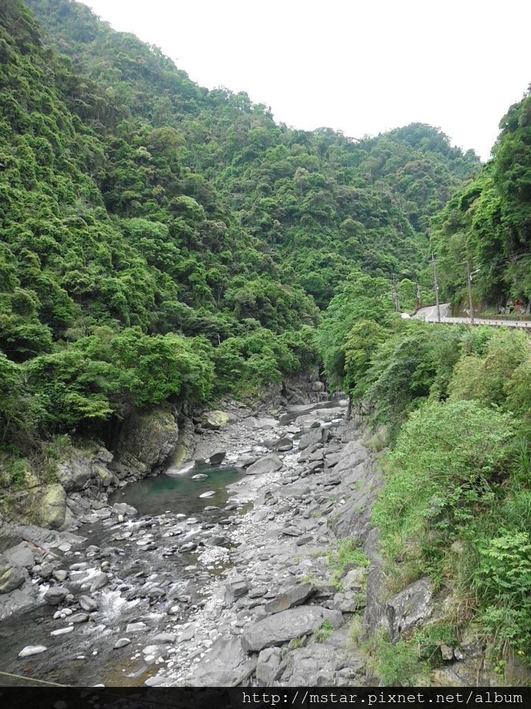 吊橋上看南勢溪溪谷