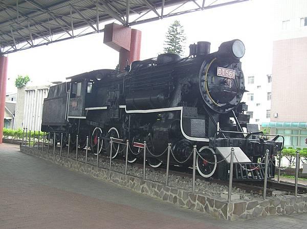DT561 蒸氣車頭