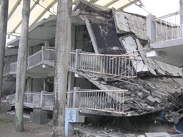 車籠埔斷層經過光復國中的教室