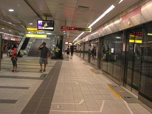 紅線 高雄車站