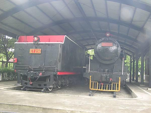 DT609 蒸氣車頭