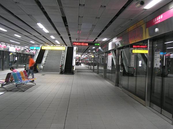 紅線 左營車站