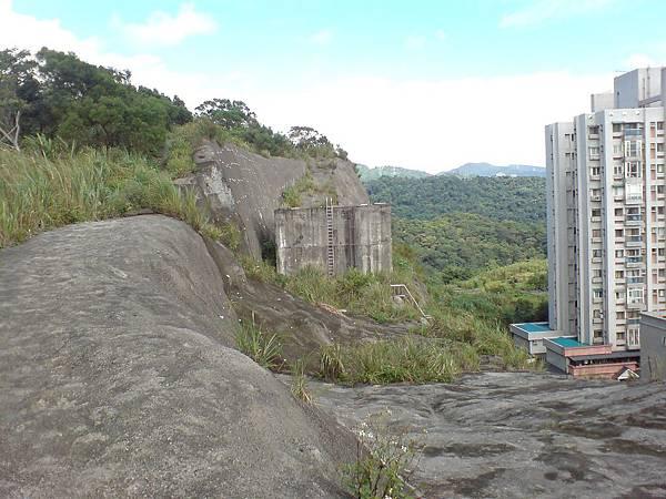 山下是汐止的「伯爵山莊」