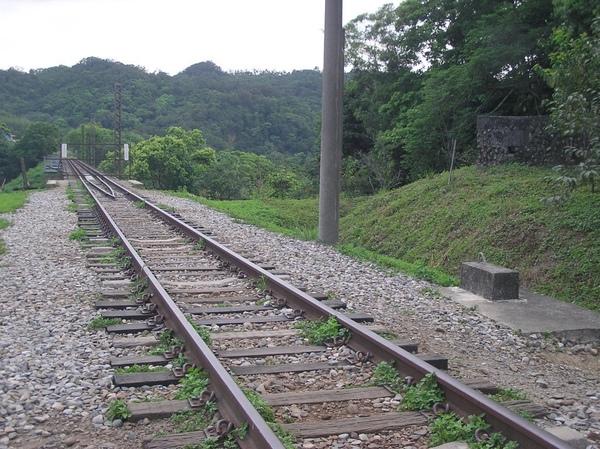 舊山線 通往新魚藤坪橋