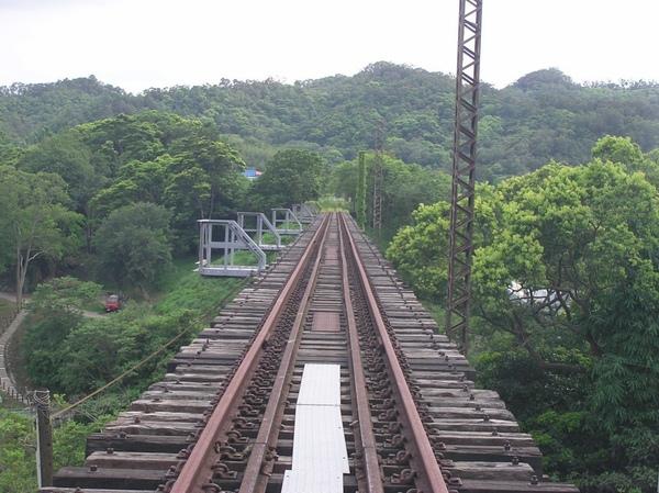 新魚藤坪橋