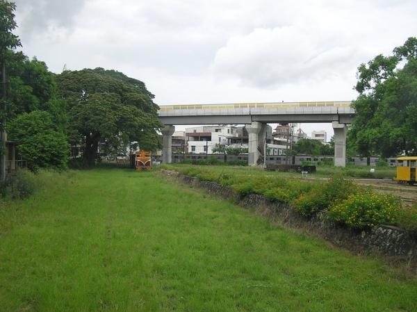 捷運高架橋