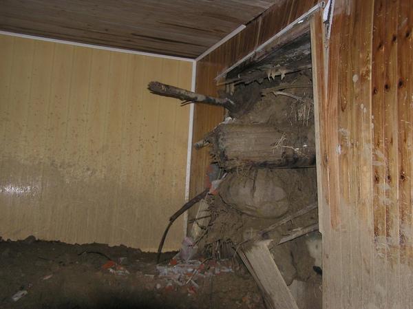 留下積土以免牆壁被擠壞