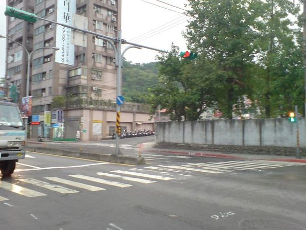 興隆路三段巷口