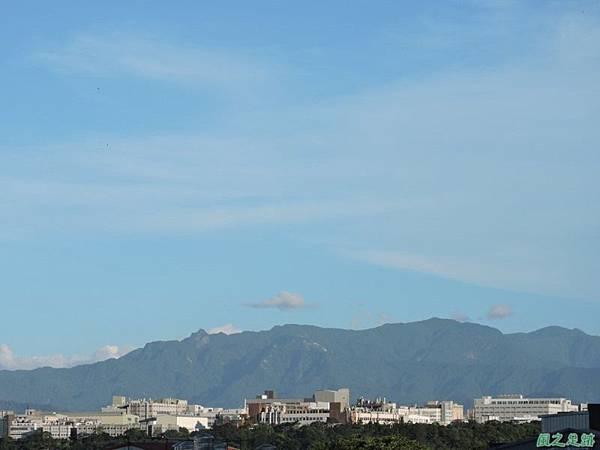 颱風前夕黃昏山景20140721(1)