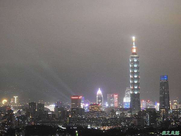 台北101跨年煙火秀20200101(6).JPG