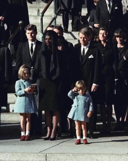 john-f-kennedy-jacqueline-kennedy-assassination-f549e09bec816b1a_large.jpg