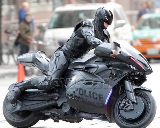 Robocop-Motorbike-4.jpg