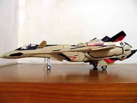 VF-19S-16.jpg