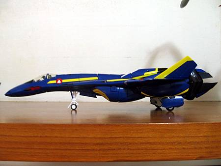 VF-19S-17.jpg