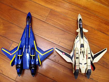 VF-19S-18.jpg