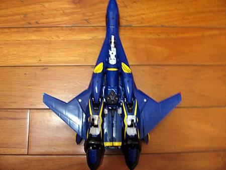 VF-19S-25.jpg