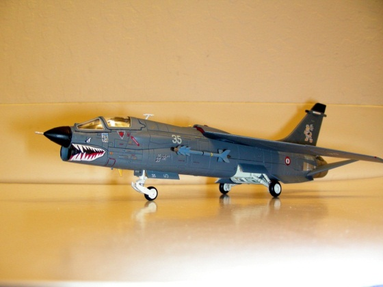 F-8_crusader01.JPG