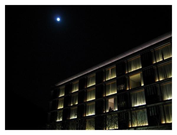 夜晚的老爺飯店.JPG