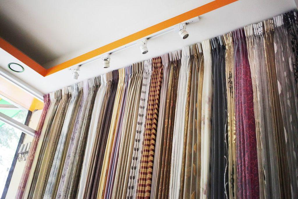 九呎紗窗簾-九呎布窗簾-屏東窗簾工廠