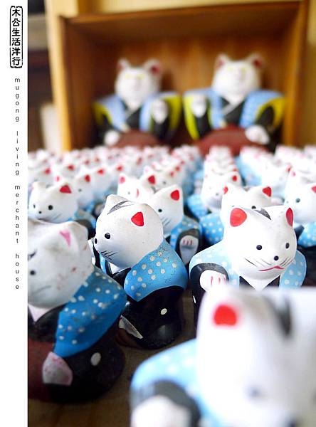 旅居日本:酷酷的招き猫 cool beckoning cat