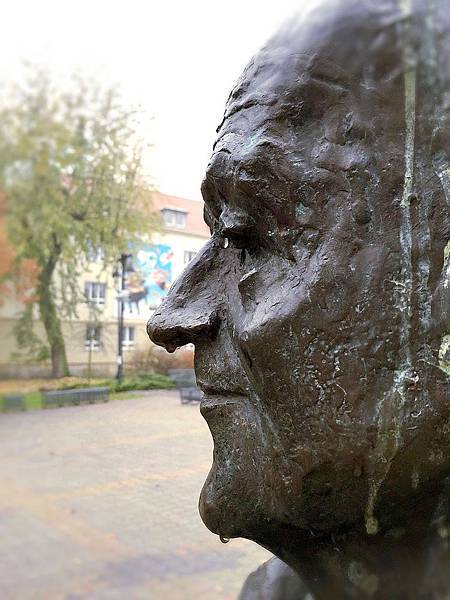 旅居波蘭:微笑是雨天裡的雨傘