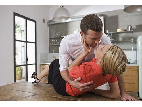 couple-on-table-lg-78551955.jpg