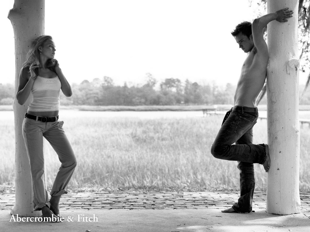 abercrombie-fitch-couple-standing.jpg
